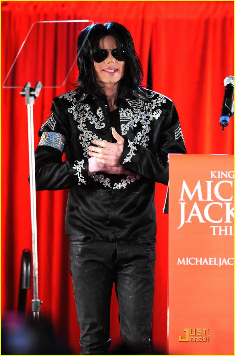 michael-jackson-this-is-it-concert-tour-announcement-10.large.jpg