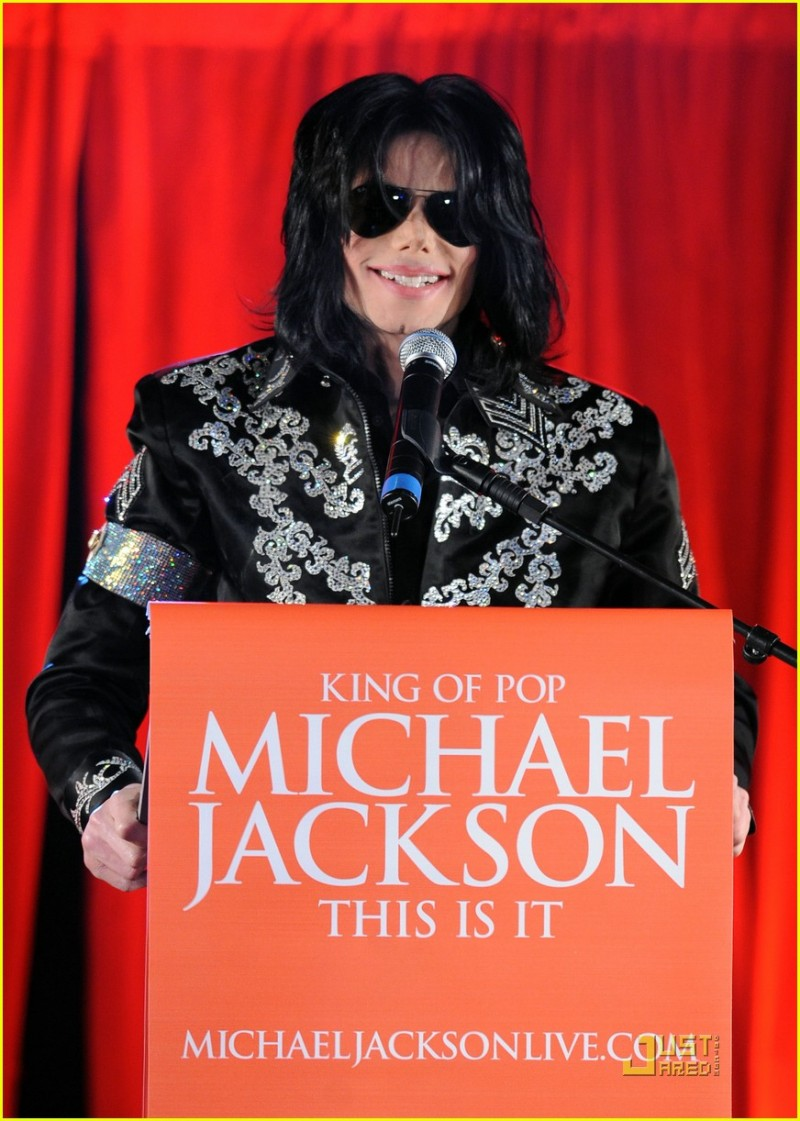 michael-jackson-this-is-it-concert-tour-announcement-21.large.jpg