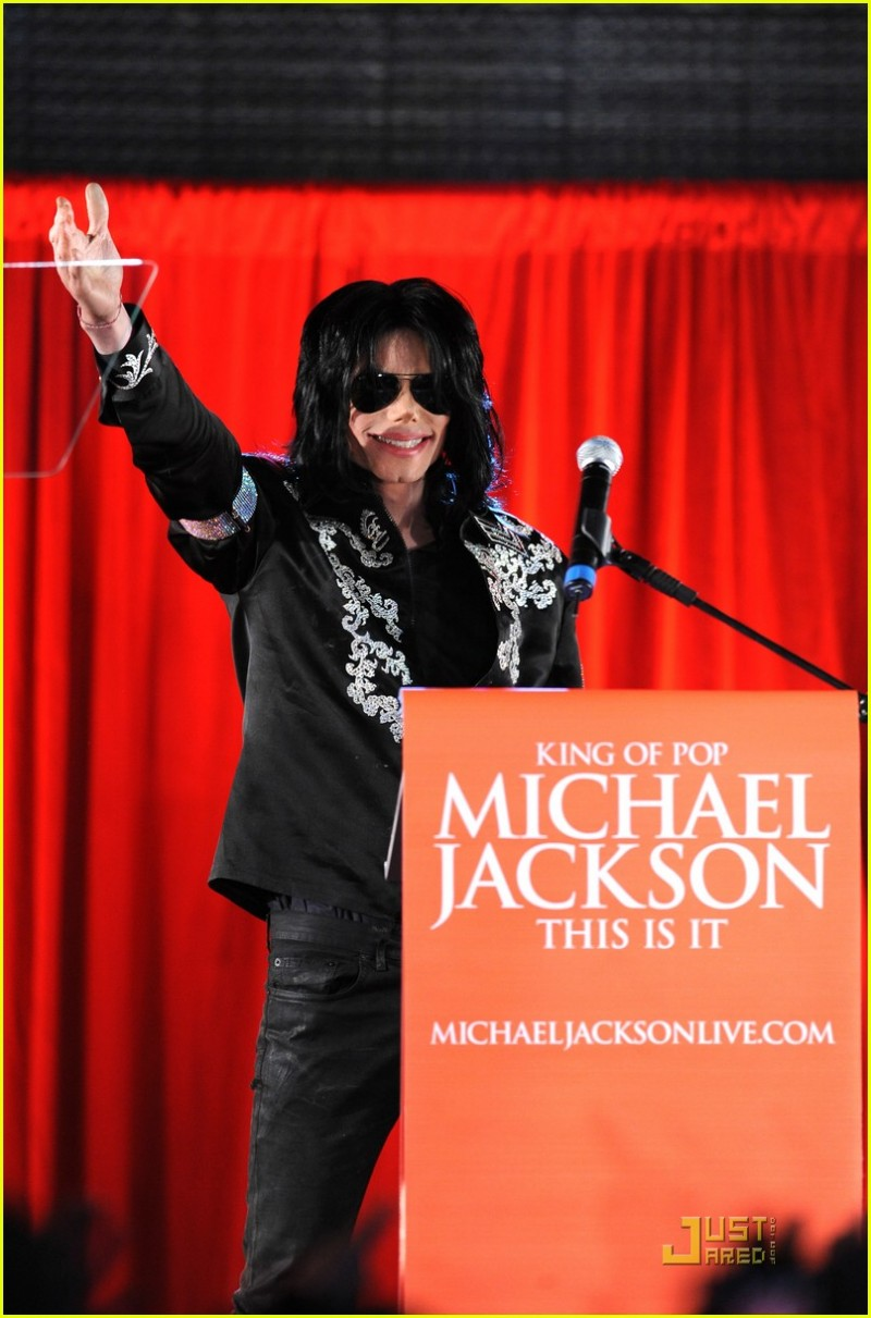 michael-jackson-this-is-it-concert-tour-announcement-61.large.jpg