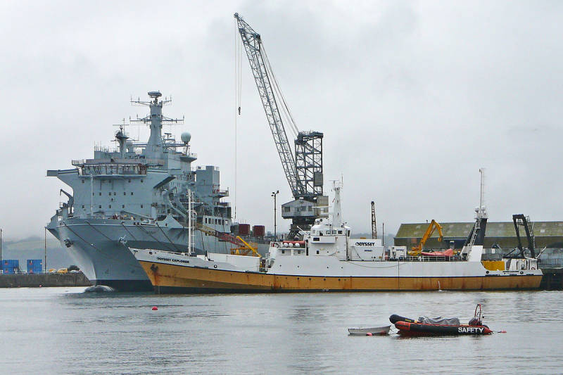 1200px-RFA_Argus_and_Odyssey_Explorer_in_Falmouth_Docks_on_2009-08-14.jpg