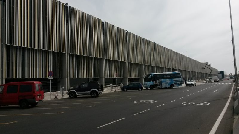 Gran_Canaria_Airport_terminal_building_including_2014_extension-1.jpg