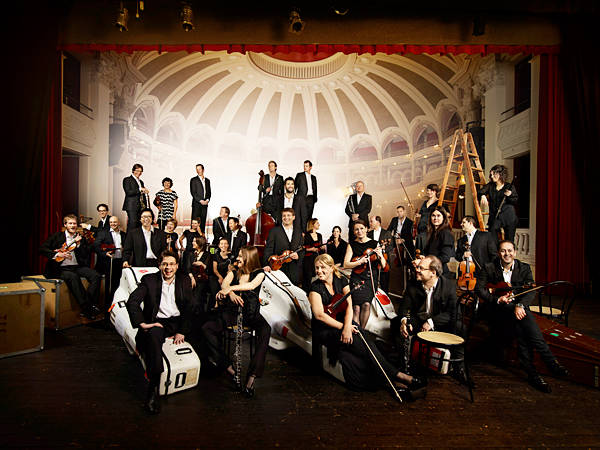Mahler_Chamber_Orchestra_from_website_2015.jpg