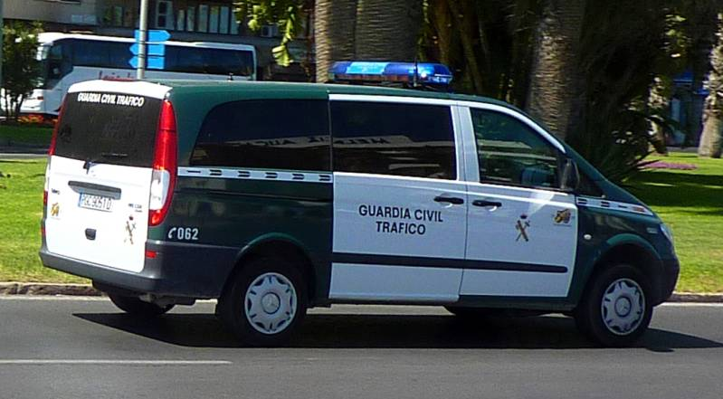 Mercedes-Benz_Vito_Guardia_Civil.jpg