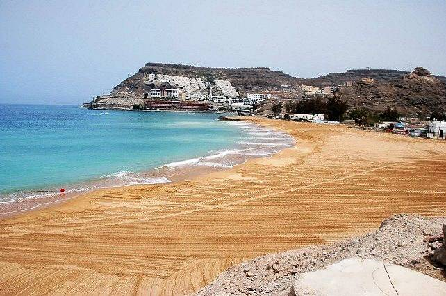 Playa-artificial-de-Anfi-Tauro.jpg