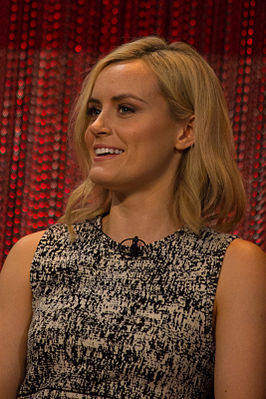 Taylor_Schilling_at_Paley_Fest_Orange_Is_The_New_Black.jpg