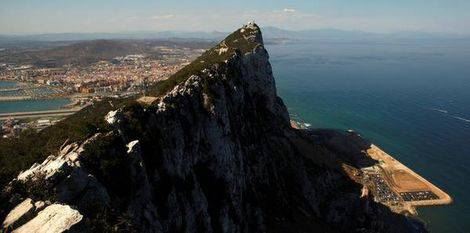The_Spanish_city_of_La_Linea_de_la_Concepcion__and_the_top_of_the_Rock__a_monoli.jpg