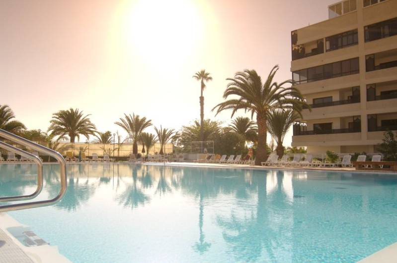 club_excelsior_2_playa_del_ingles_gran_canaria_pool.jpg