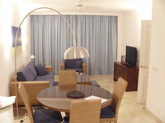 dining-living-room-area.jpg