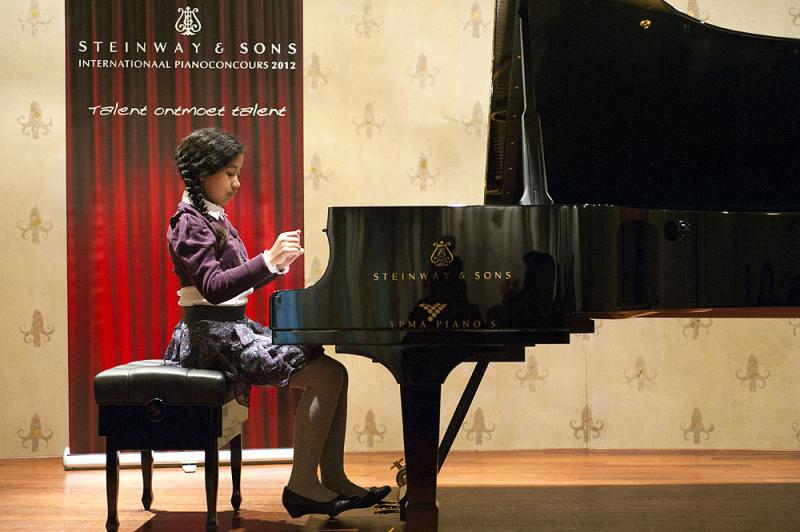 Anais op Steinway concours 2012