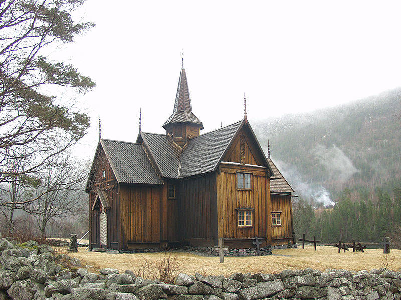 800px-Nore_stave_church.jpg