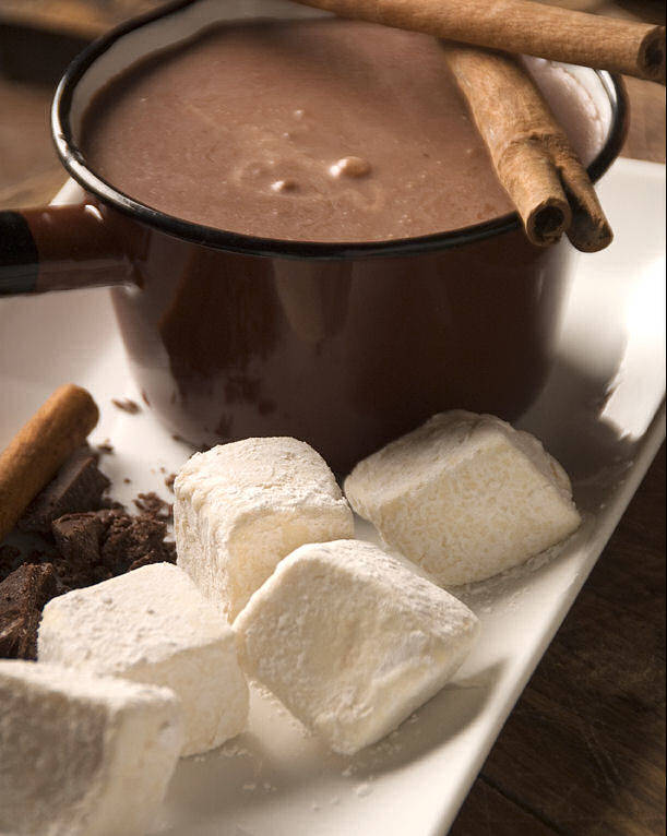 mexican-hot-chocolate-with-vanilla-marshmallows-0102-1.jpg