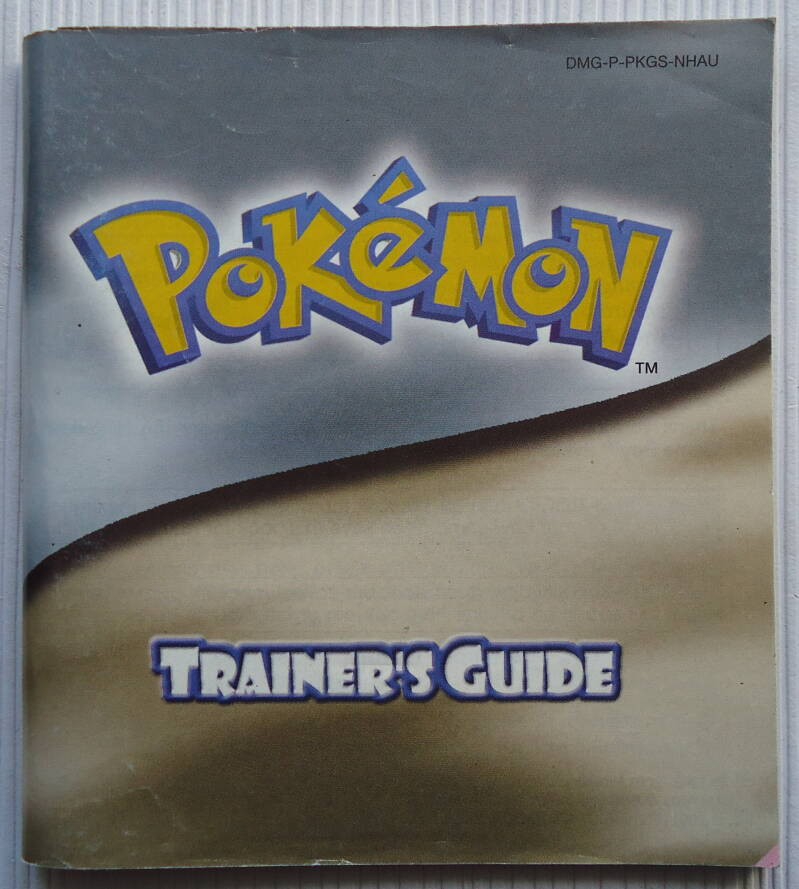 Game Boy Color - Pokemon Trainer's Guide (Silver/Gold Version)   instruction booklet (NHAU) very good