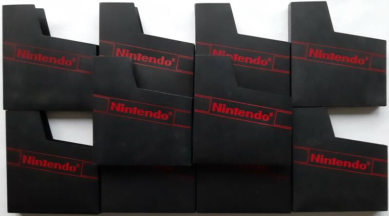 NES - Lot of 10 dust sleeves/protectors for NES cartridges