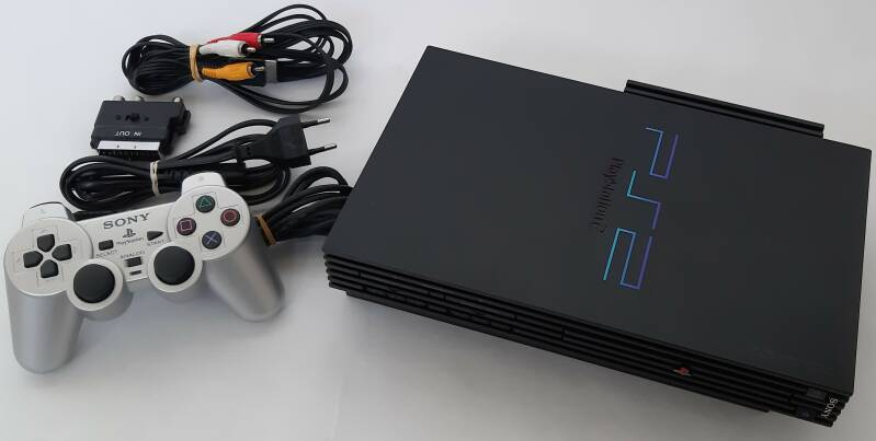 PS2 - Console *Platformer Set* SCPH-30004 modded w/ FreeMcBoot + emulators + 2500 games preinstalled on 160 GB harddisk (PAL)
