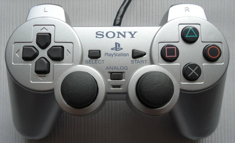 PS2 - Controller Satin Silver SCPH-10010 ESS (region free) unboxed