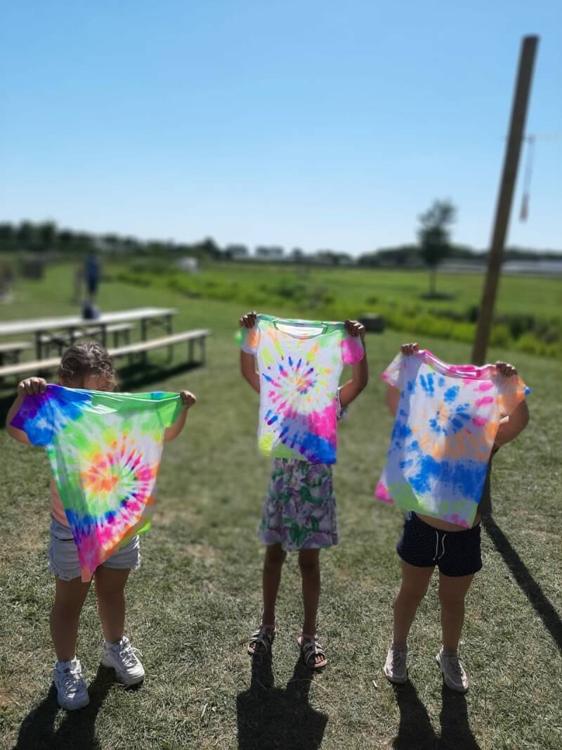 TIE-DYE kinderworkshop bij Hoppies (eigen shirt meebrengen)
