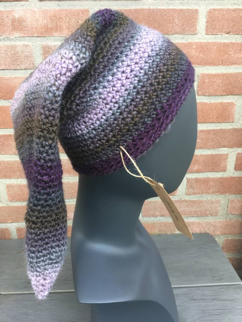 Pointed Beanie - Lavender & Olive