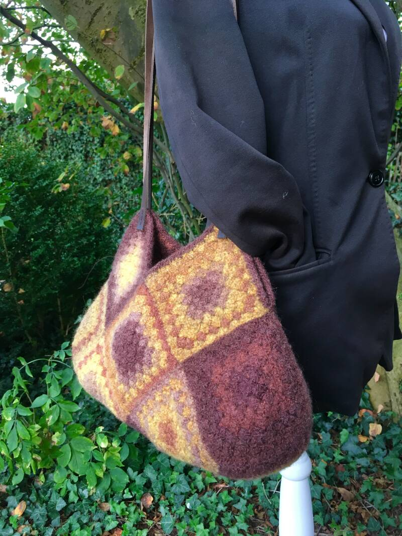 Shoulder-Bag, granny squares - Brown & yellow