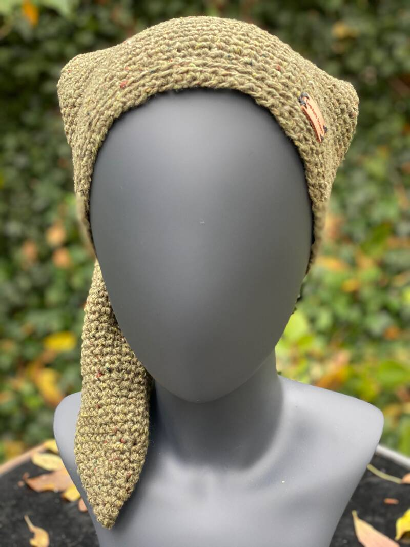 Pointed Beanie - Olive Green