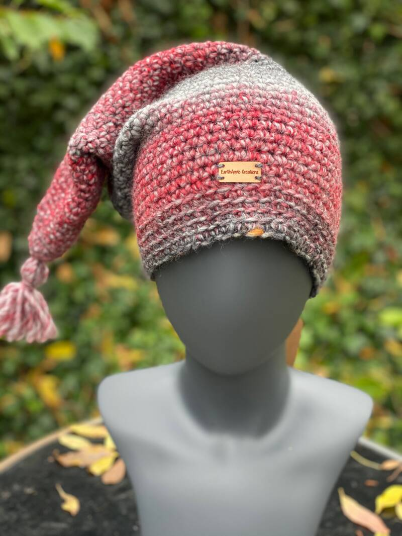 Pointed Beanie - Red / Grey / White