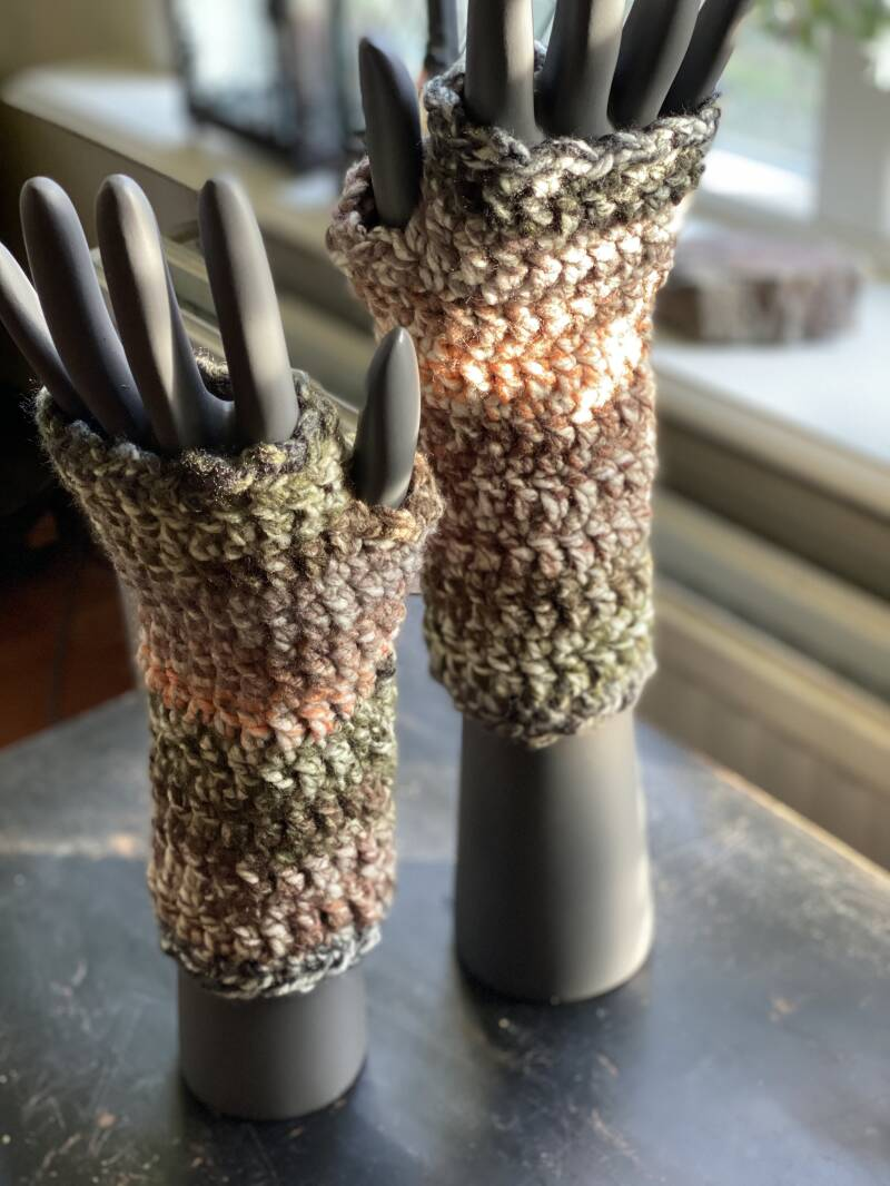 Mittens - Brown / Green / Off-White, no-wool