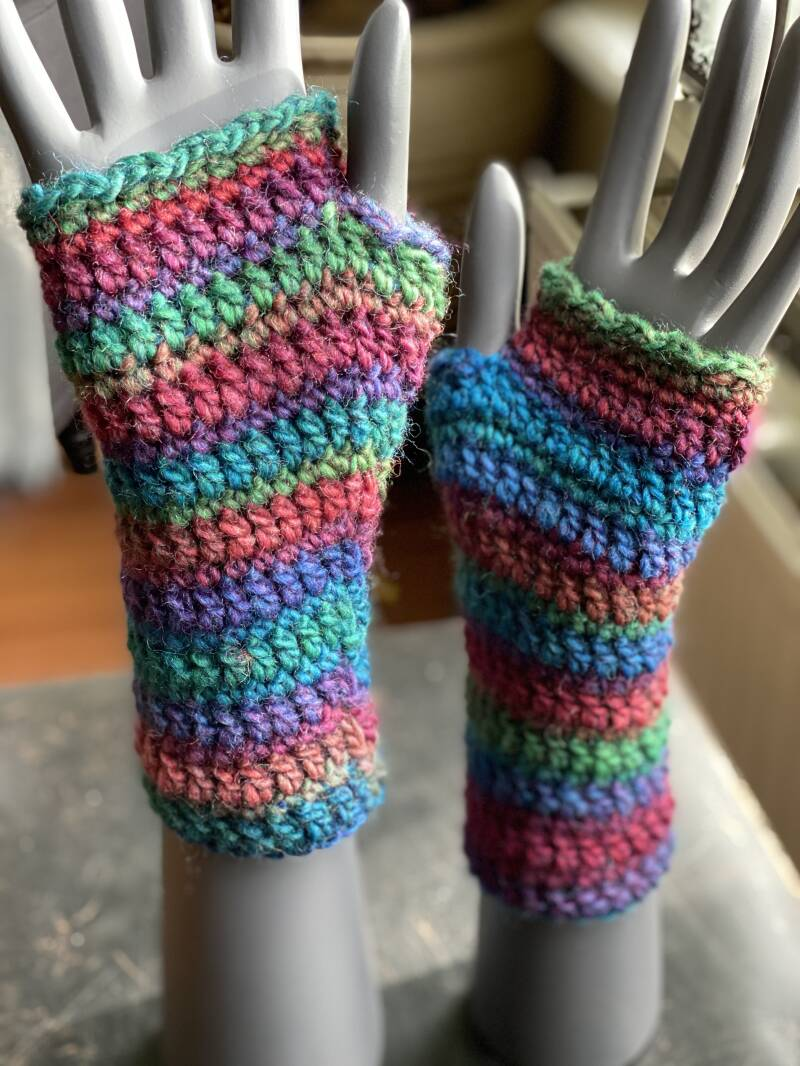 Mittens - Colourful Stripes