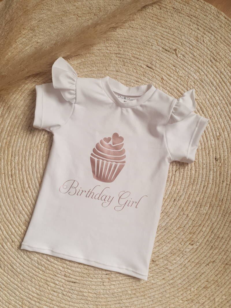 Ruffle shirt | Birthday girl | Cupcake