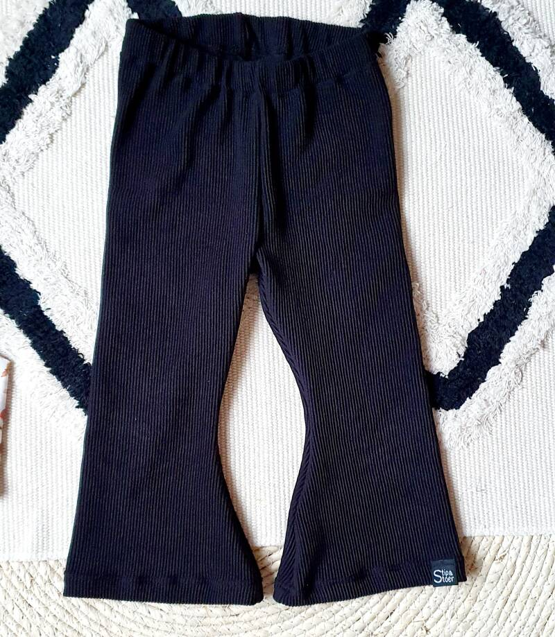 Flaired pants | Rib zwart