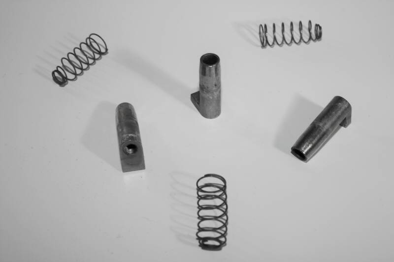 NEW lug insert with spring