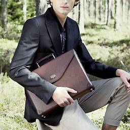 BROWN HOLGER BRIEFCASE WITH POWERBANK