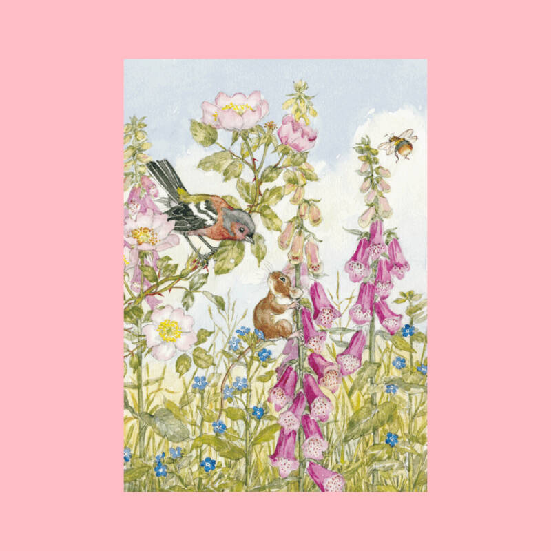 Molly Brett | Chaffinch Field Mouse, Foxgloves and Bee | Postkaart