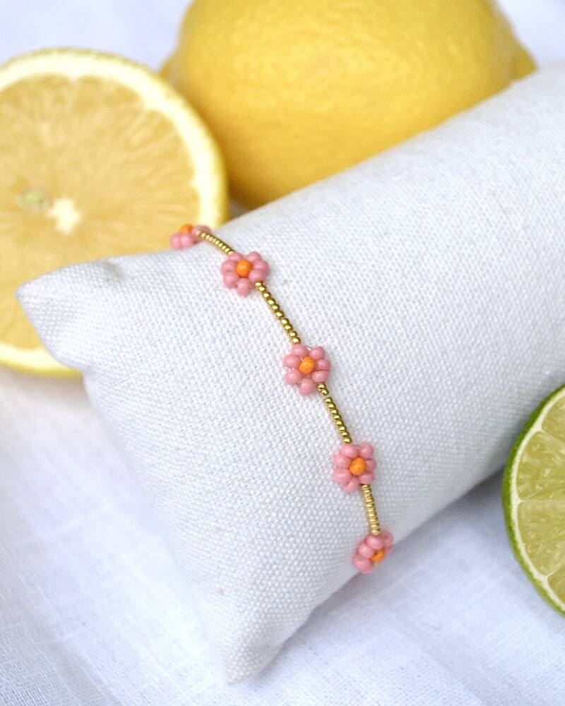 PINK FLOWER ARMBAND