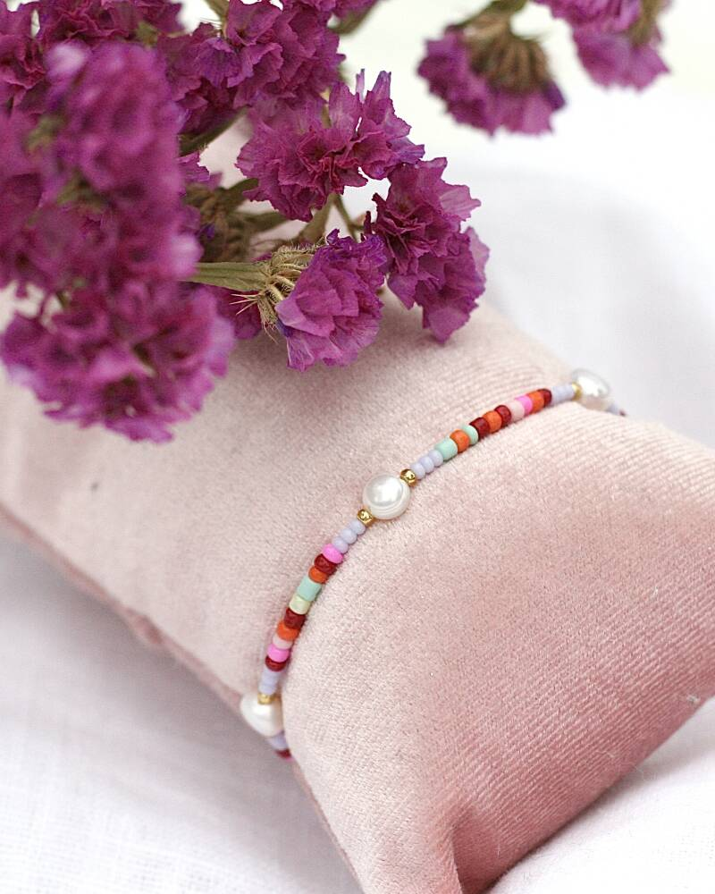 COLORFUL LILA PEARL ARMBAND