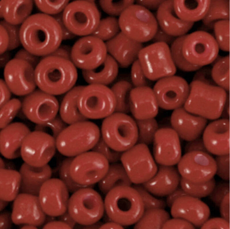Rocailles 4mm Cabernet Red.
