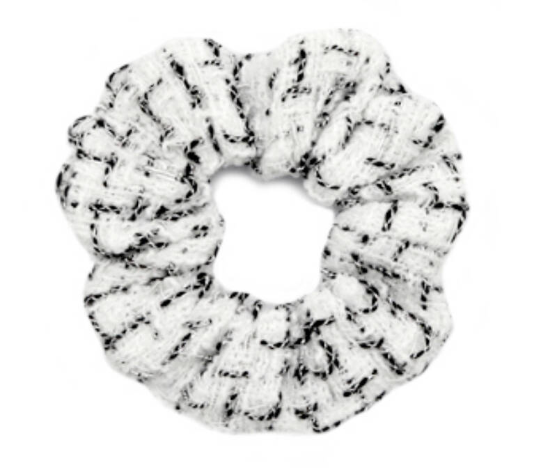 Scrunchie white Black