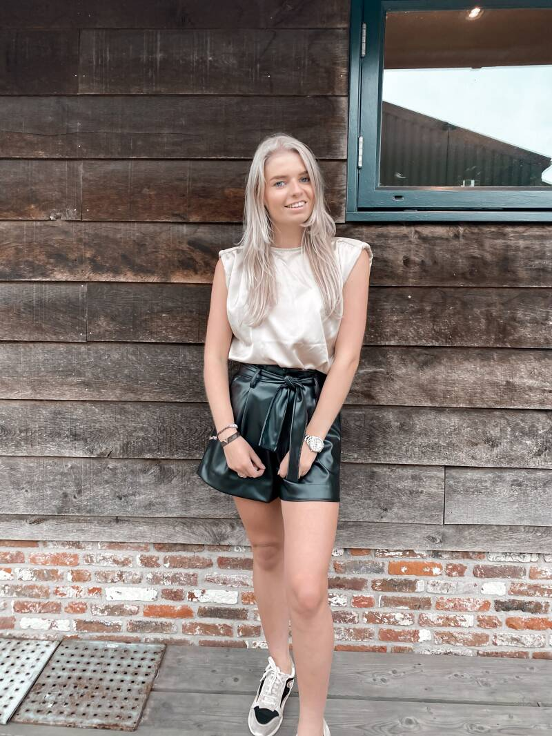 Sylvie leather short