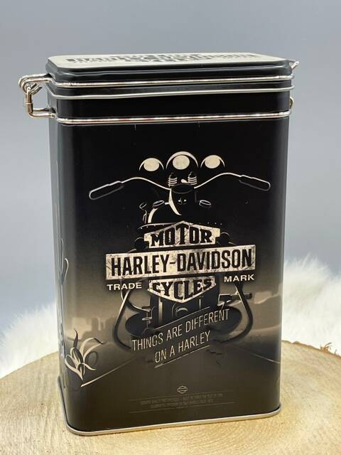 Clip top box Harley Davidson things are different on a Harley