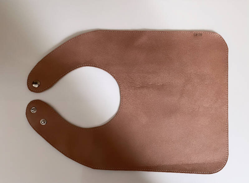 Leather bib | Old pink
