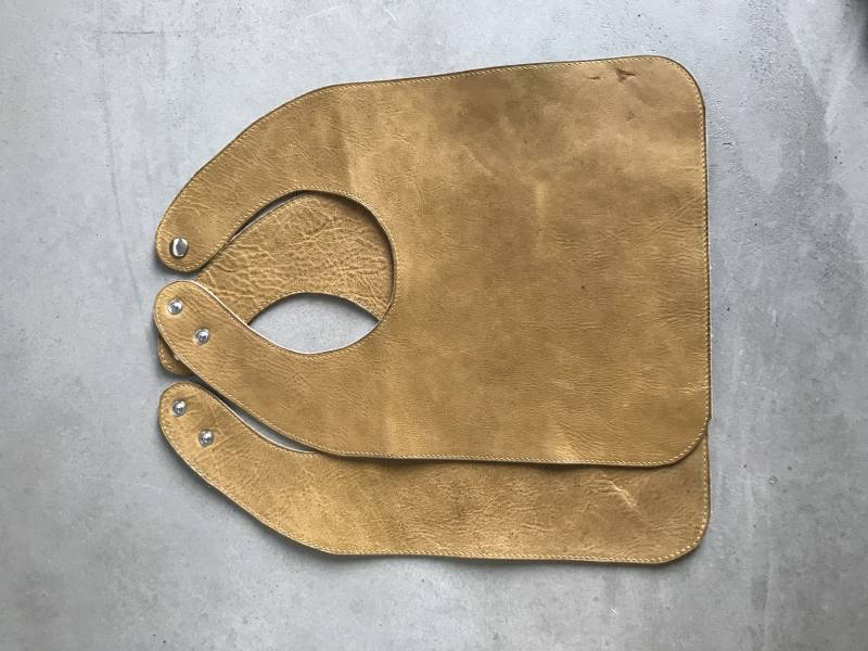 Leather bib | Ochre | Out of stock: Pre-order?