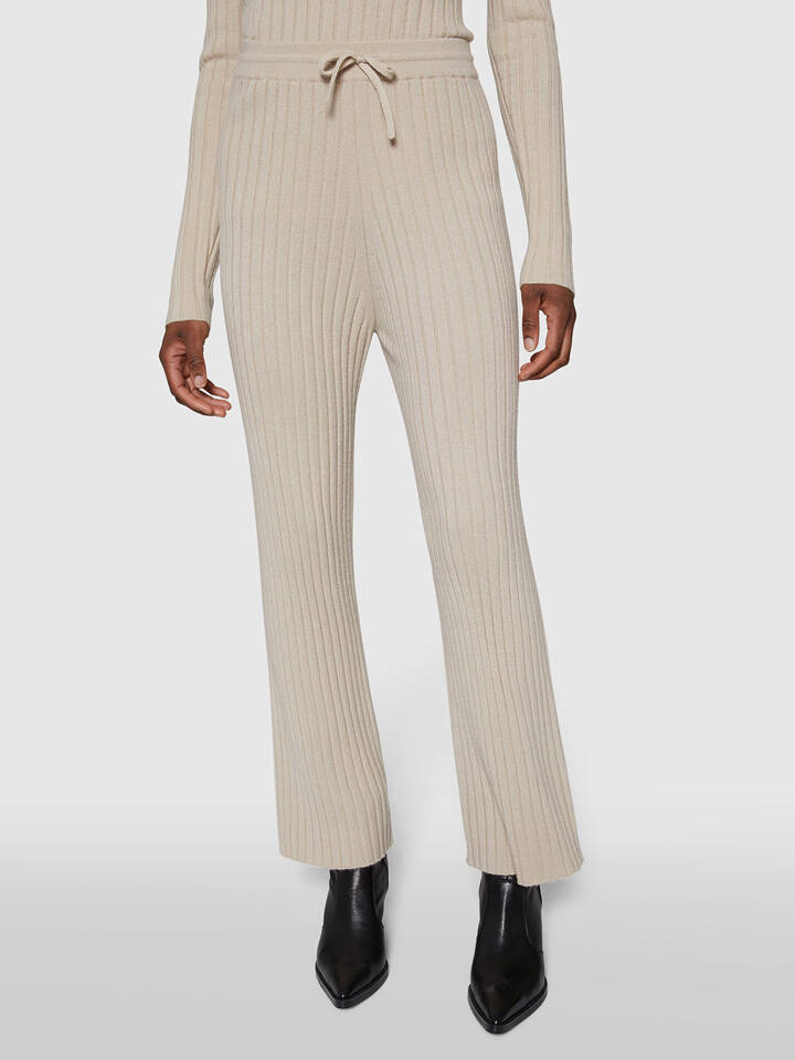 ALPHA STUDIO CASHMERE FLARED PANTS BEIGE