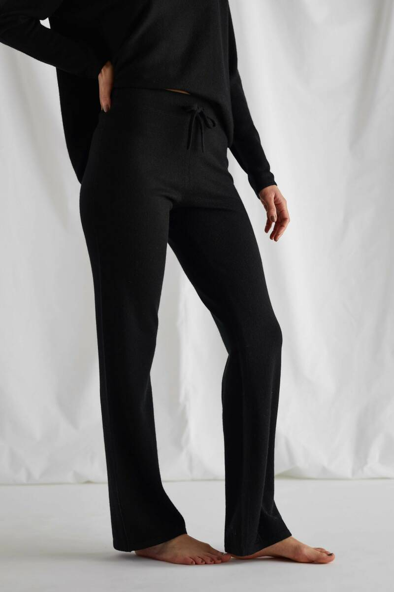 DAVIDA CASHMERE FLARED PANTS BLACK