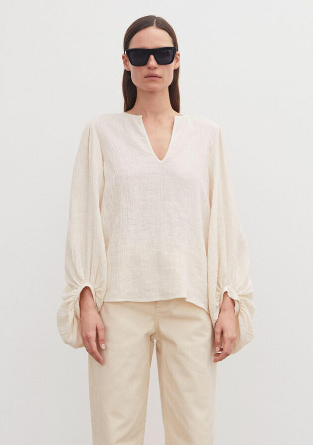 BY MALENE BIRGER DAUSI BALLOON SLEEVED TOP