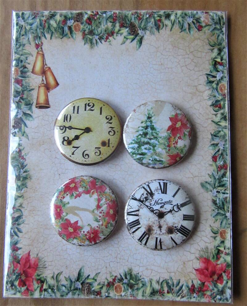 BUTTONS YULETIDE