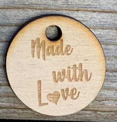 Houten fournituur 'Made with love'