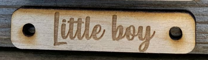 Houten label 'Little boy'