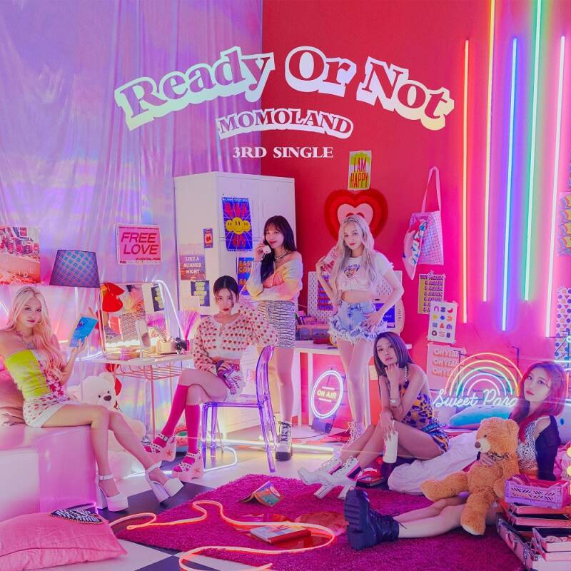 Momoland (모모랜드)- 3e single album (Ready or not)