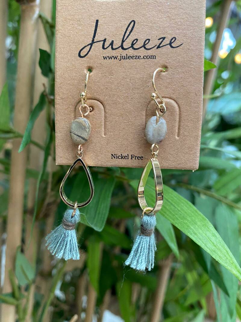 Juleeze Earings Gold With Stone And Blue Tassel