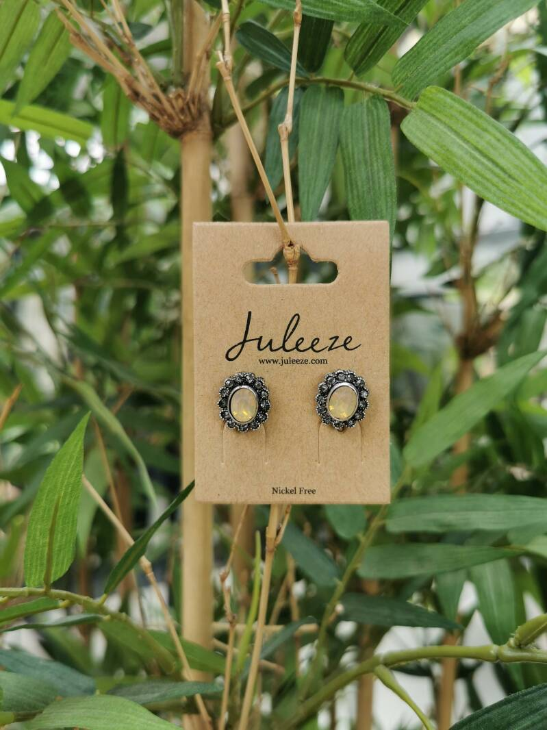 Earrings Antique Juleeze