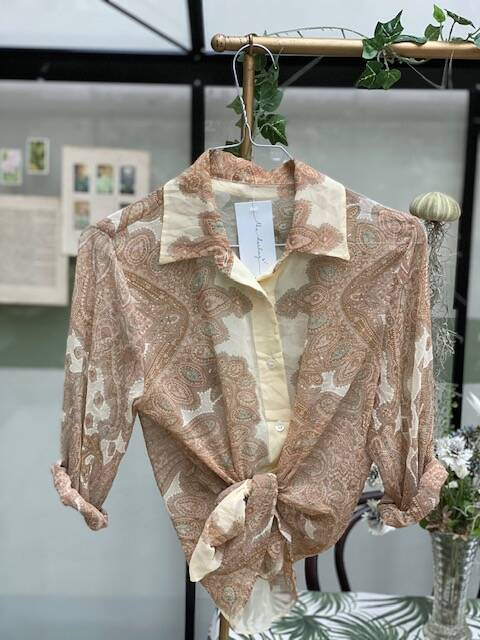 Vintage Blouse Swirl TheDarling