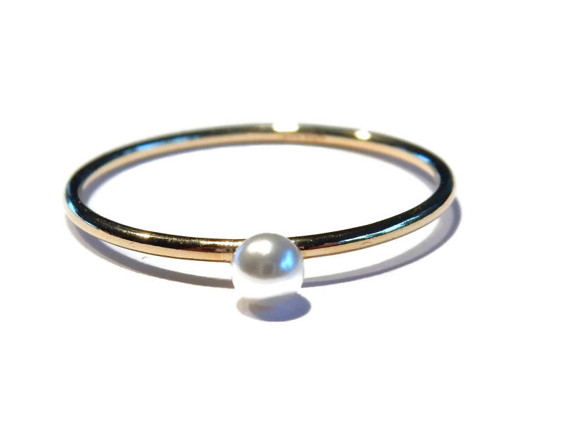stackring 1 mm pearly white crystal RSG6